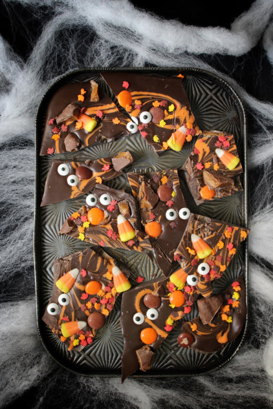 halloween desserts boo chocolate bark