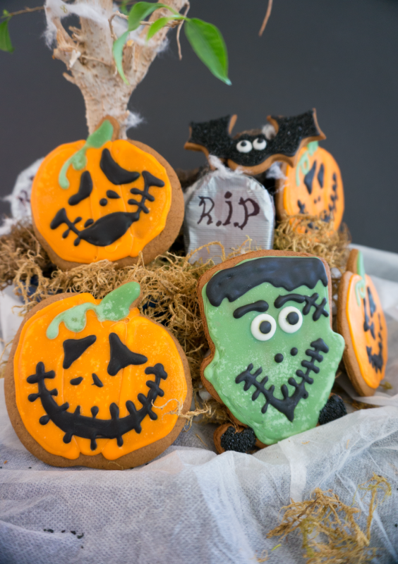 halloween desserts gingerbread cookies