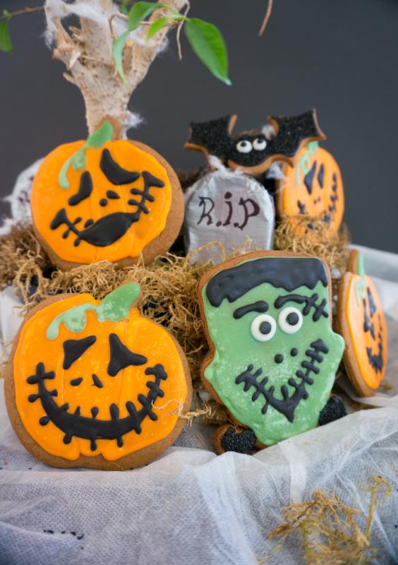 halloween desserts gingerbread cookies