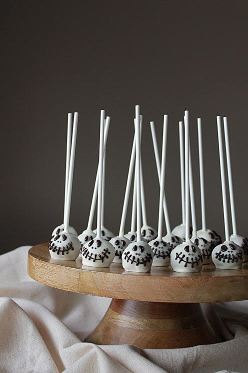 halloween desserts skeleton cake pops