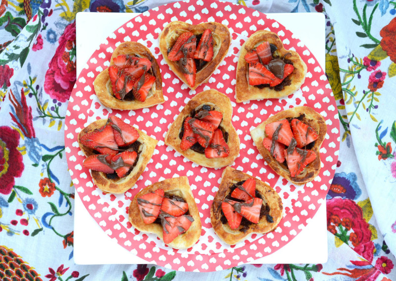 Nutella Strawberry Puff Pastry Hearts | A Life Well Consumed