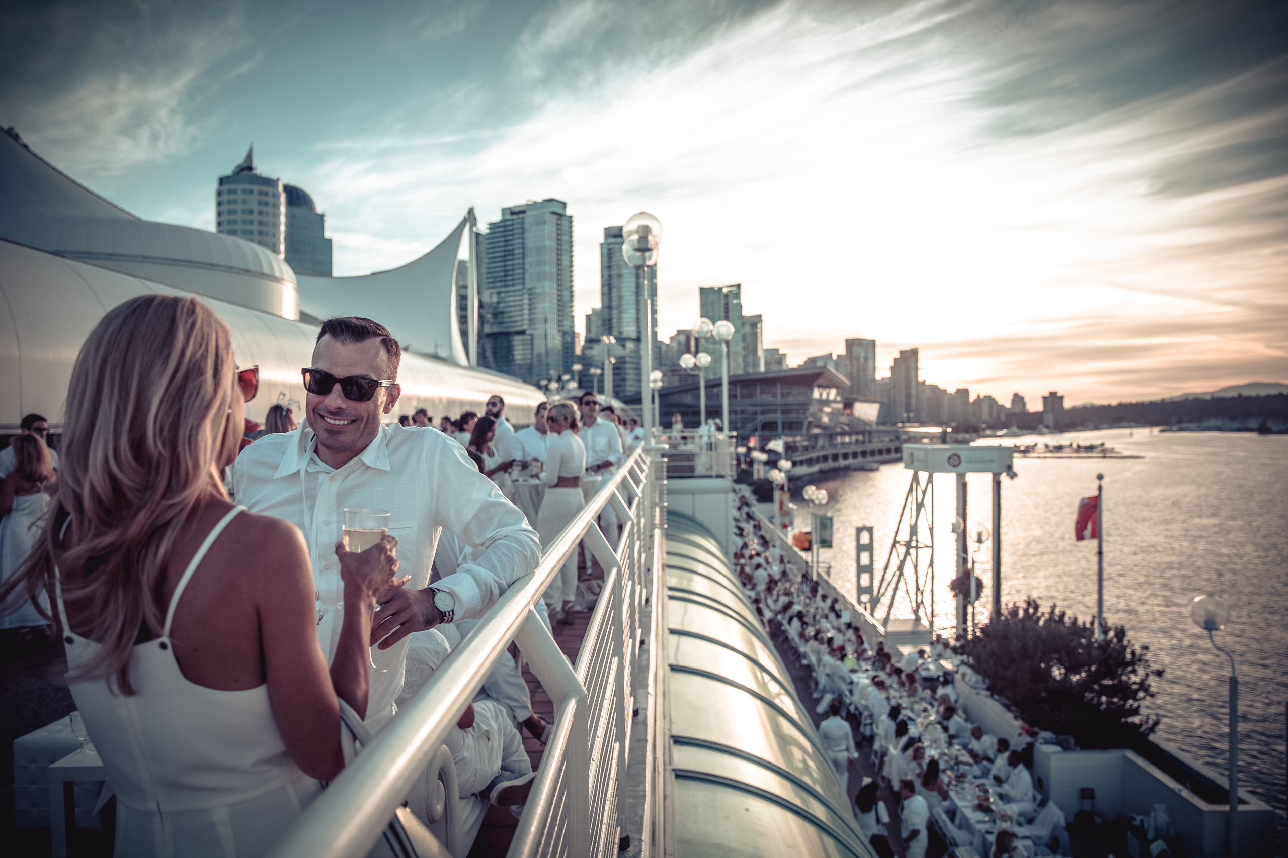 How to host a Dîner en Blanc at home. Great tips from their trusty DeB design experts in Vancouver.