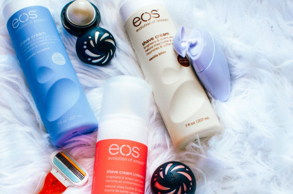 I'm giving away EOS products to celebrate the return of Spring! Natural, paraben-free & ultra moisturizing, EOS is an essential for your routine.